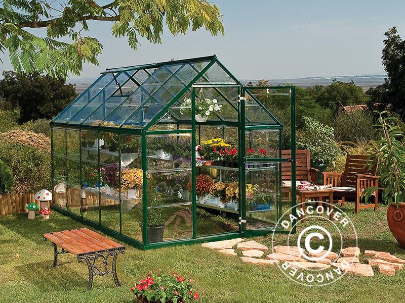 Polykarbonat växthus ser ut som de klassiska växthusen med glas